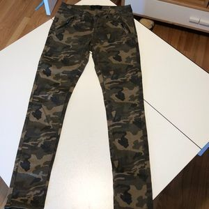 Camo Print Skinny Jeans Zipper Pockets Great 3 26